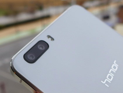 list of smartphones with dual camera or dual lens camera